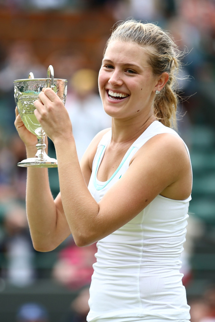 Fantastic Eugenie Bouchard Lovely Smile With Cup Still Background Free Mobile Hd Desktop Images