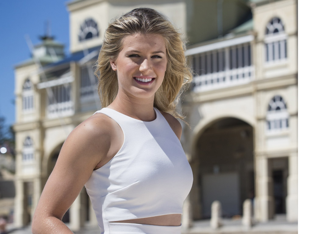 hd eugenie bouchard nice pose with background free computer download images