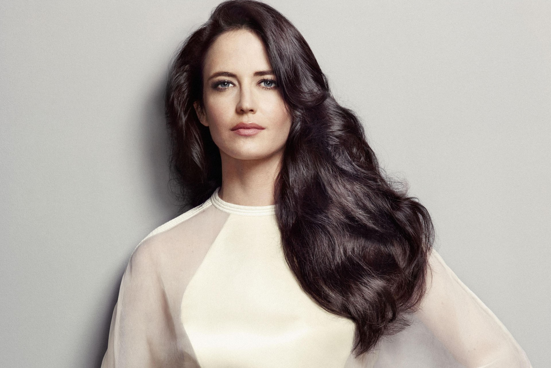 beautiful eva green lovrly cute look pose background download free mobile hd images