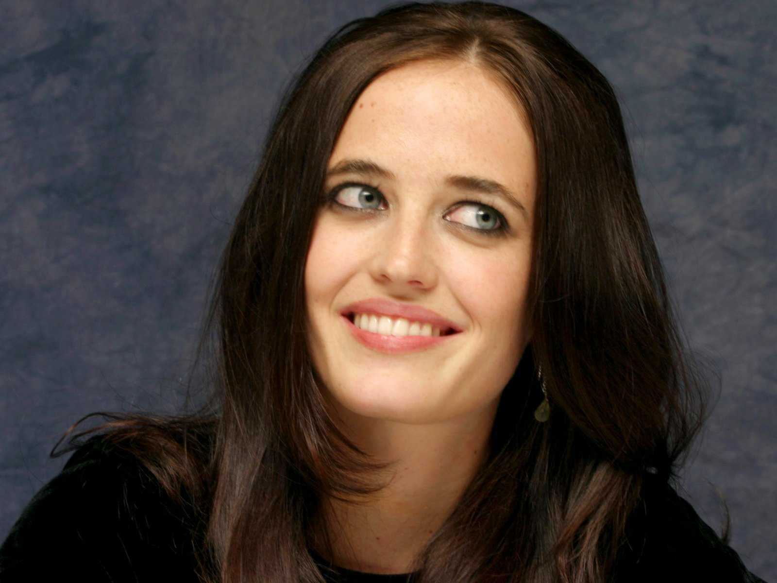 Lovely Eva Green Cute Smile Face And Eye Look Background Hd Free Mobile Desktop Images