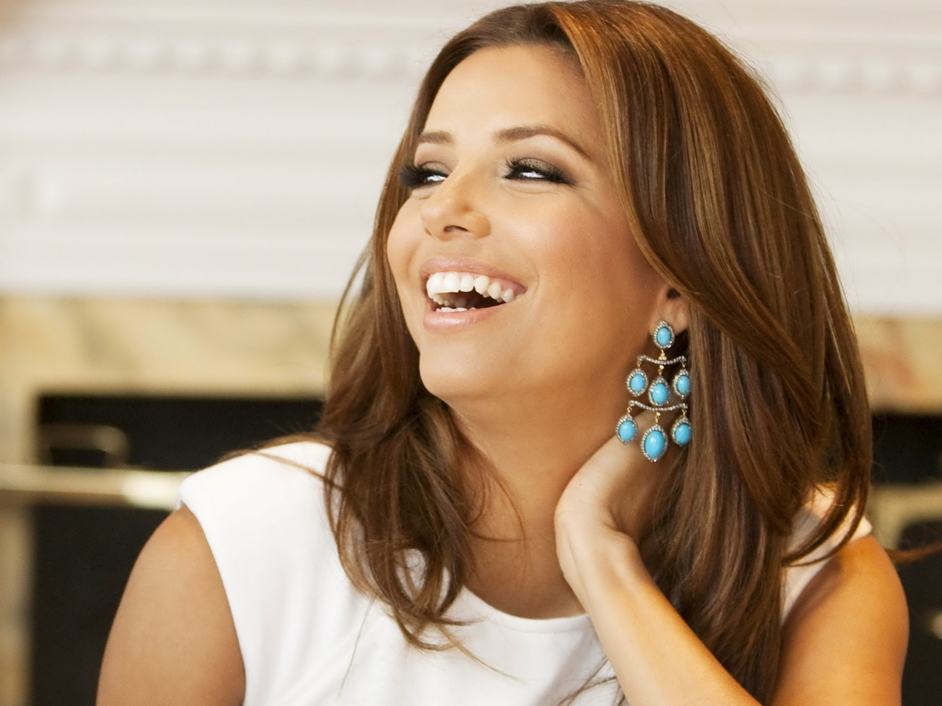 Amazing Eva Longoria Cute Laughing Face Look Mobile Desktop Free Background Hd Pictures