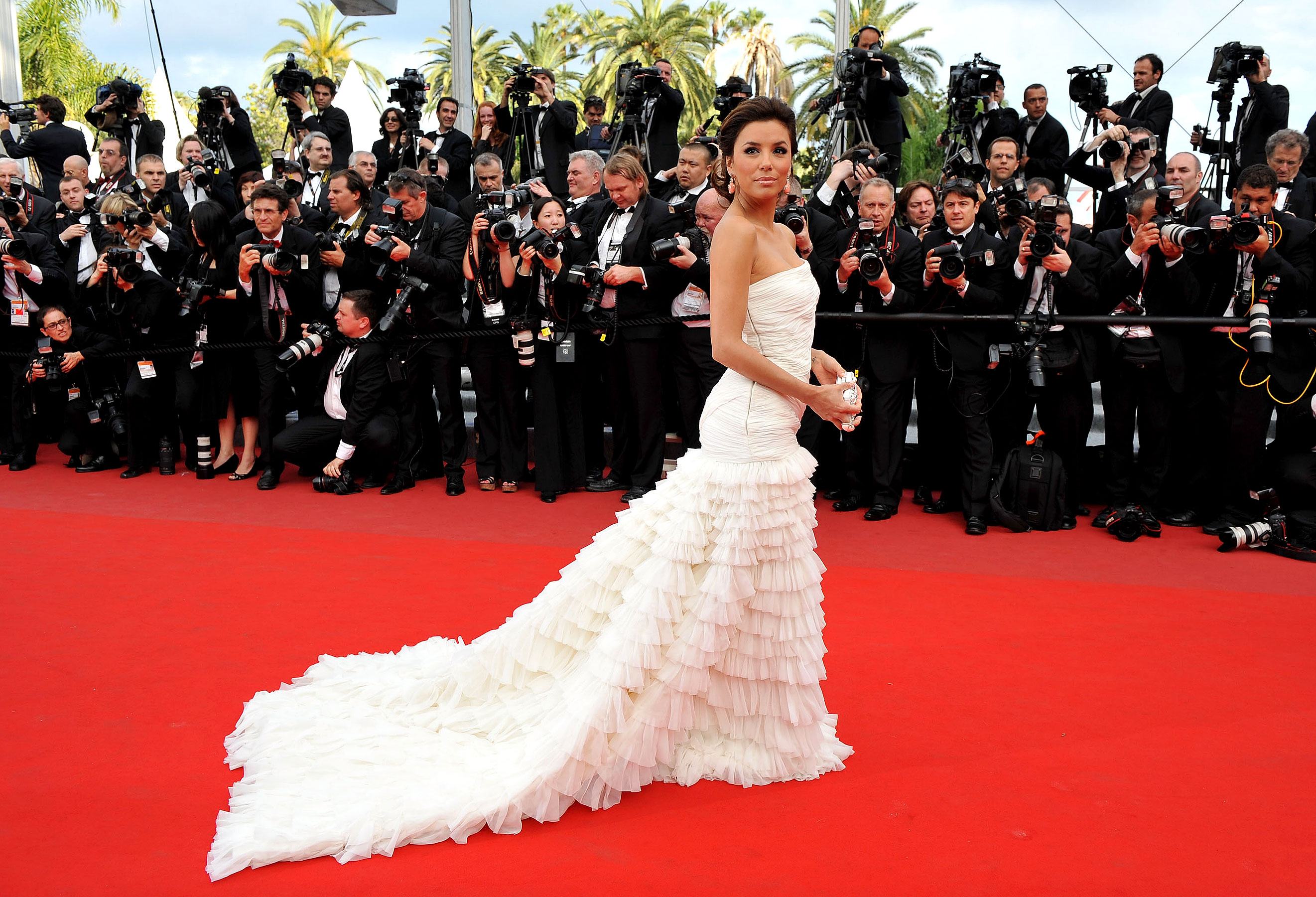 Amazing Eva Longoria White Dress With Romantic Style Look In Award Function Mobile Desktop Background Free Images