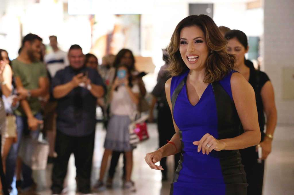 Download Eva Longoria Stylish Still Background Laptop Photo Hd Free