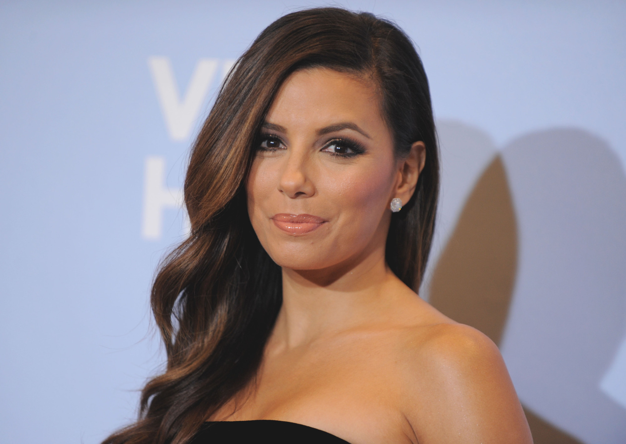 free eva longoria stunning smile pose hd background download mobile images