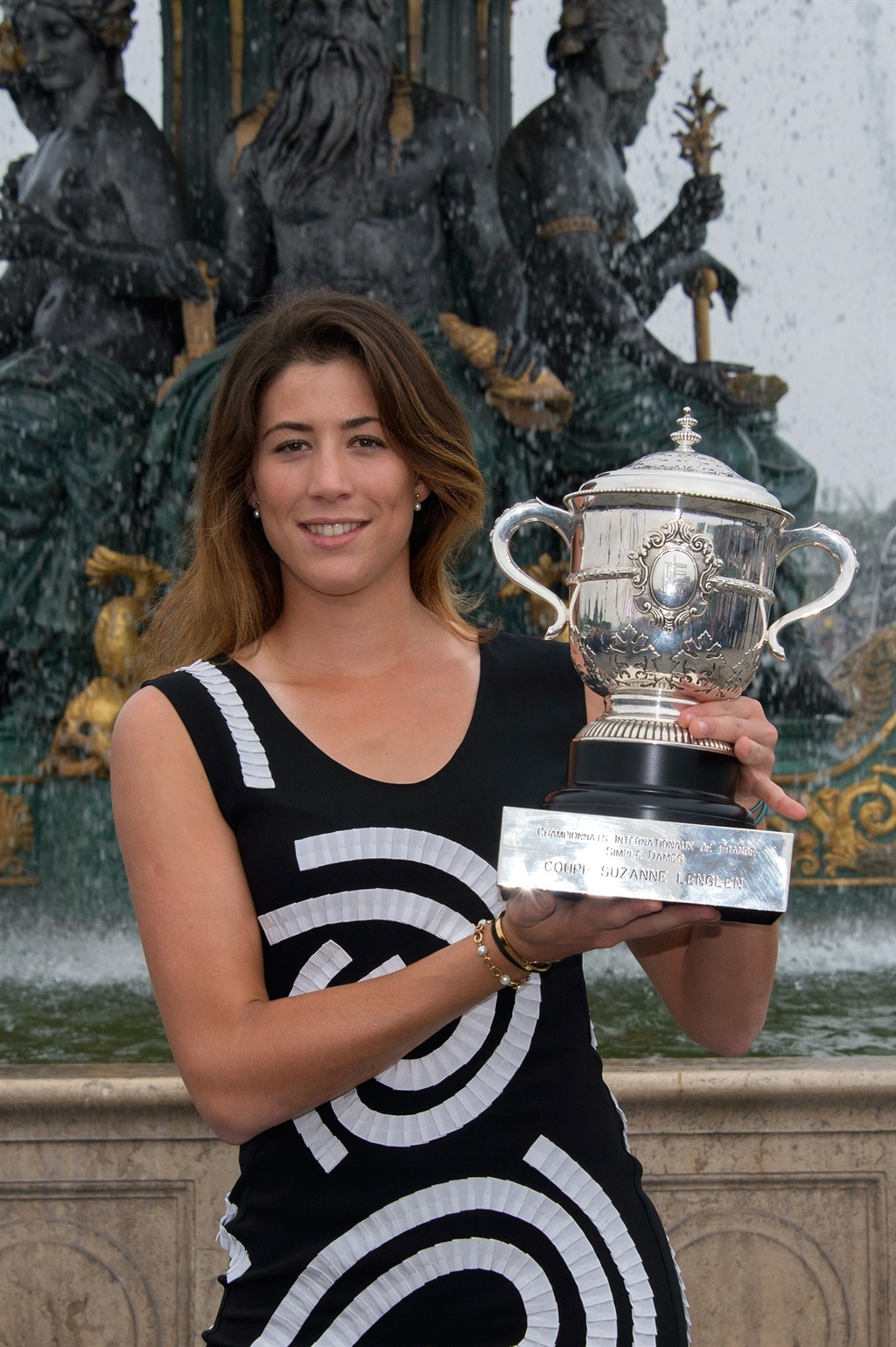 Desktop Garbine Muguruza With Cup Mobile Hd Images Free Background