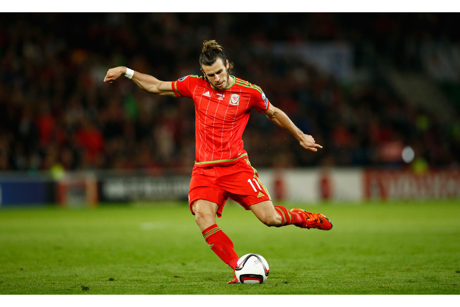Gareth Bale Kick Ball To Goal Hd Desktop Mobile Images