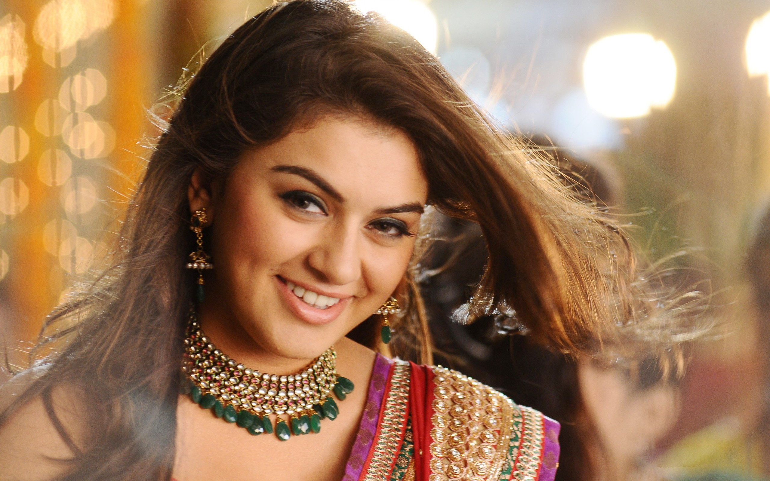 Beautiful Hansika Motwani Smiling Face Mobile Free Background Desktop Images Hd
