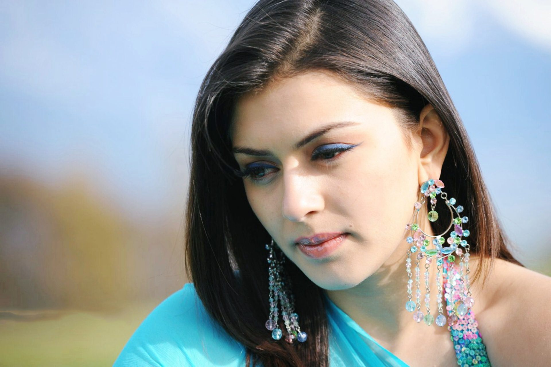 download hansika motwani beautiful look hd mobile free background
