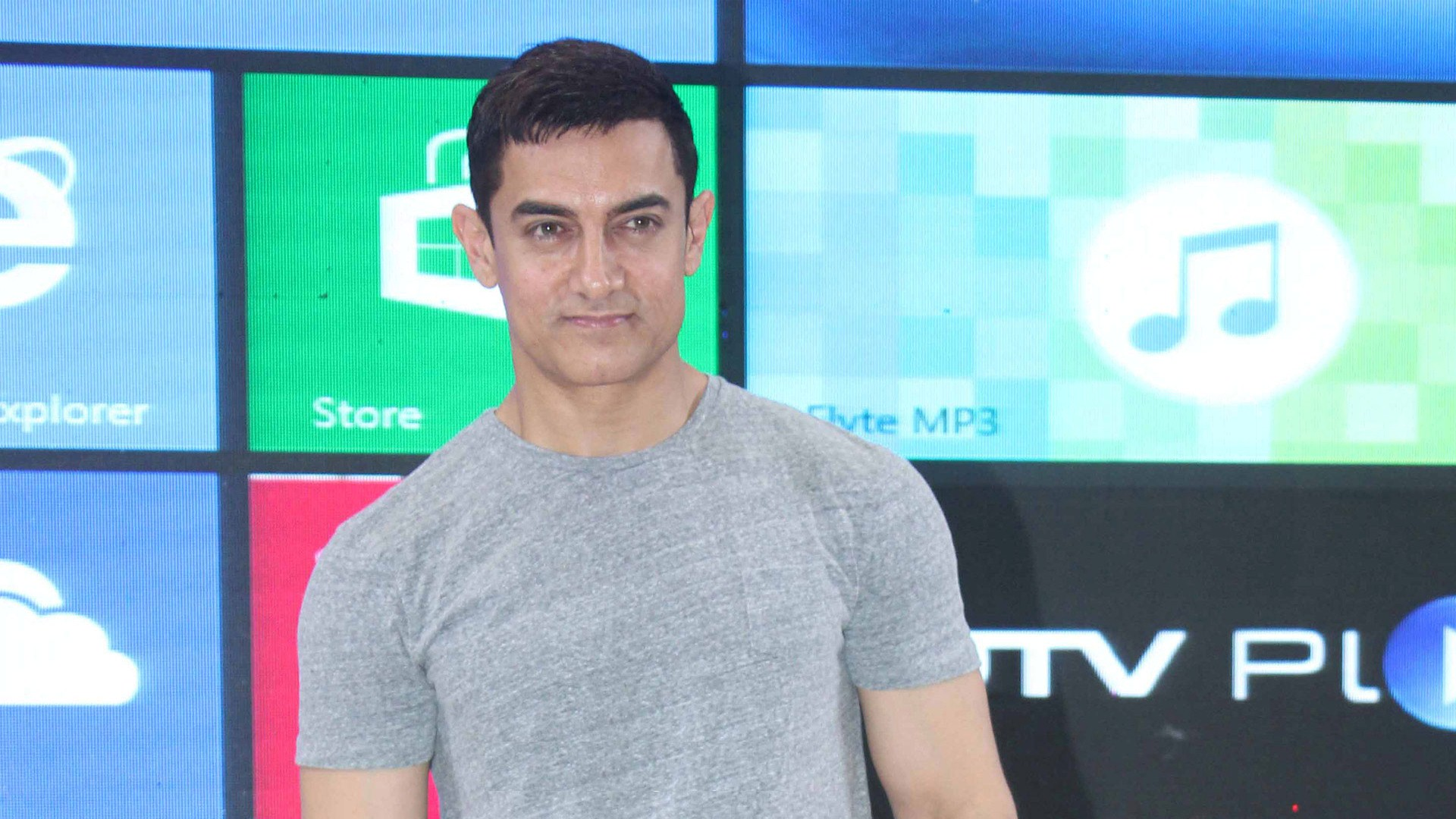 aamir khan handsome boy wallpapers free download