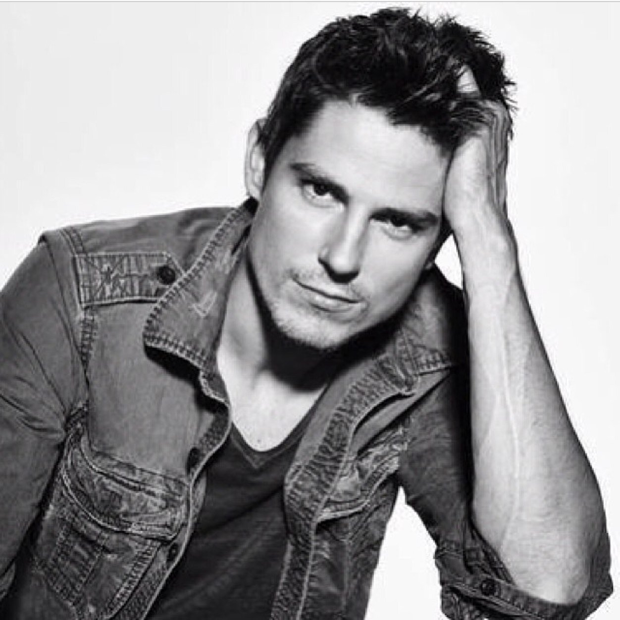 actor sean faris pictures images album pictures photos download