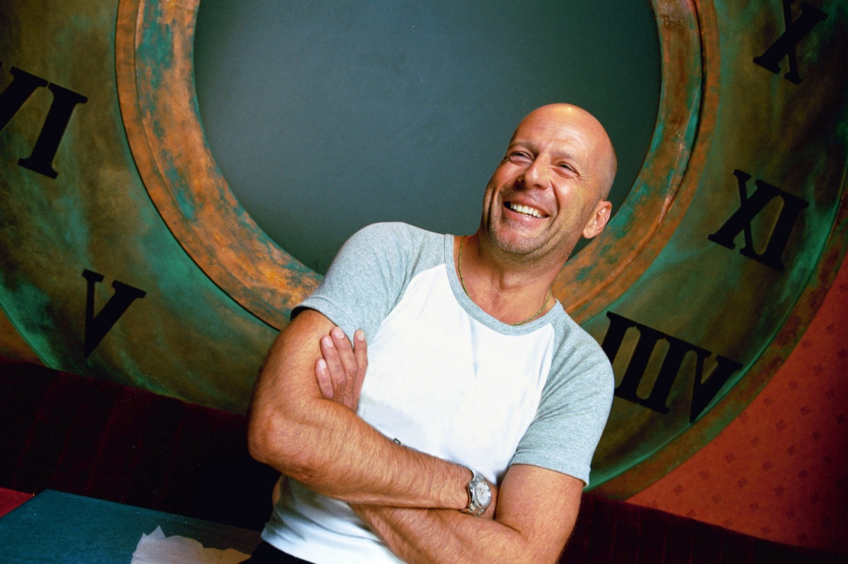 cute smile bruce willis desktop hot pics download