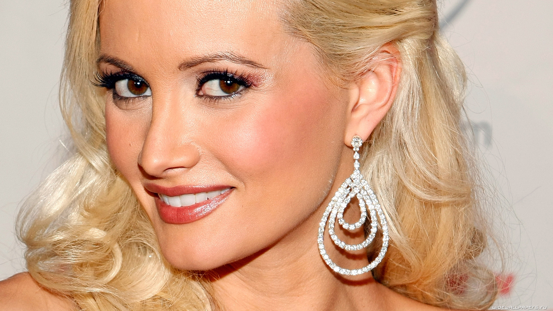 holly madison hd desktop views images photos download