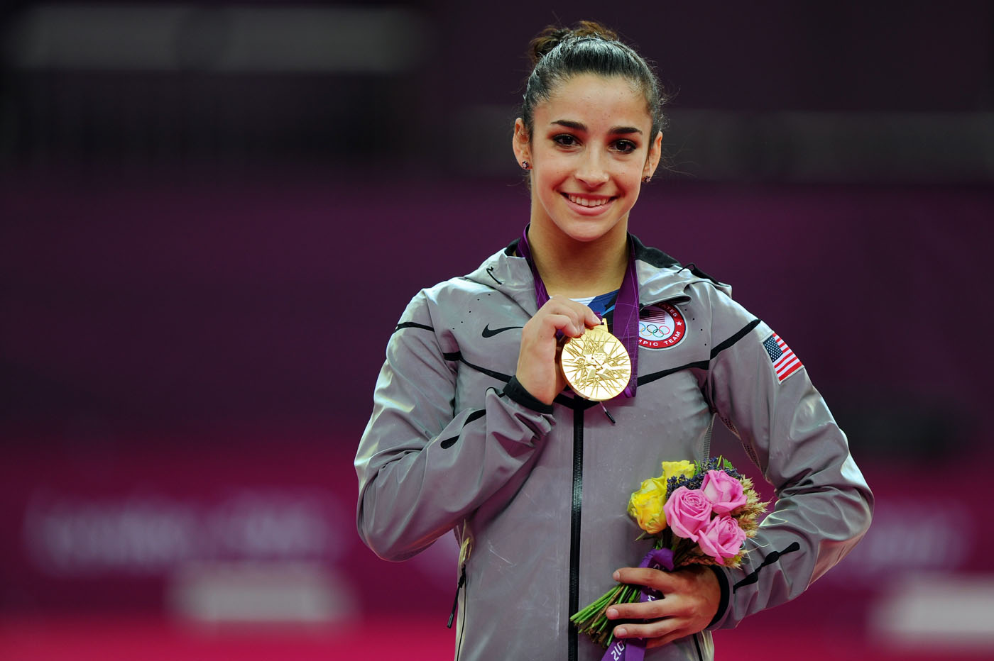 Latest Olympic Acheive Gold Aly Raisman Wallpaper Hd Photos
