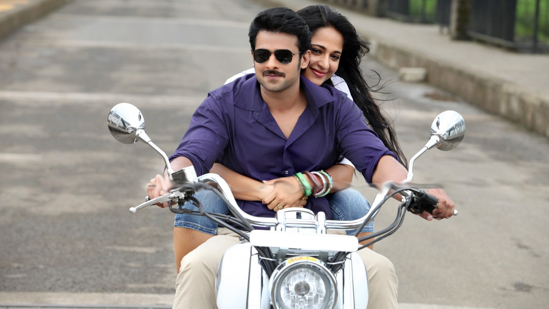 lovely couple prabhas with anushka images picture downloads