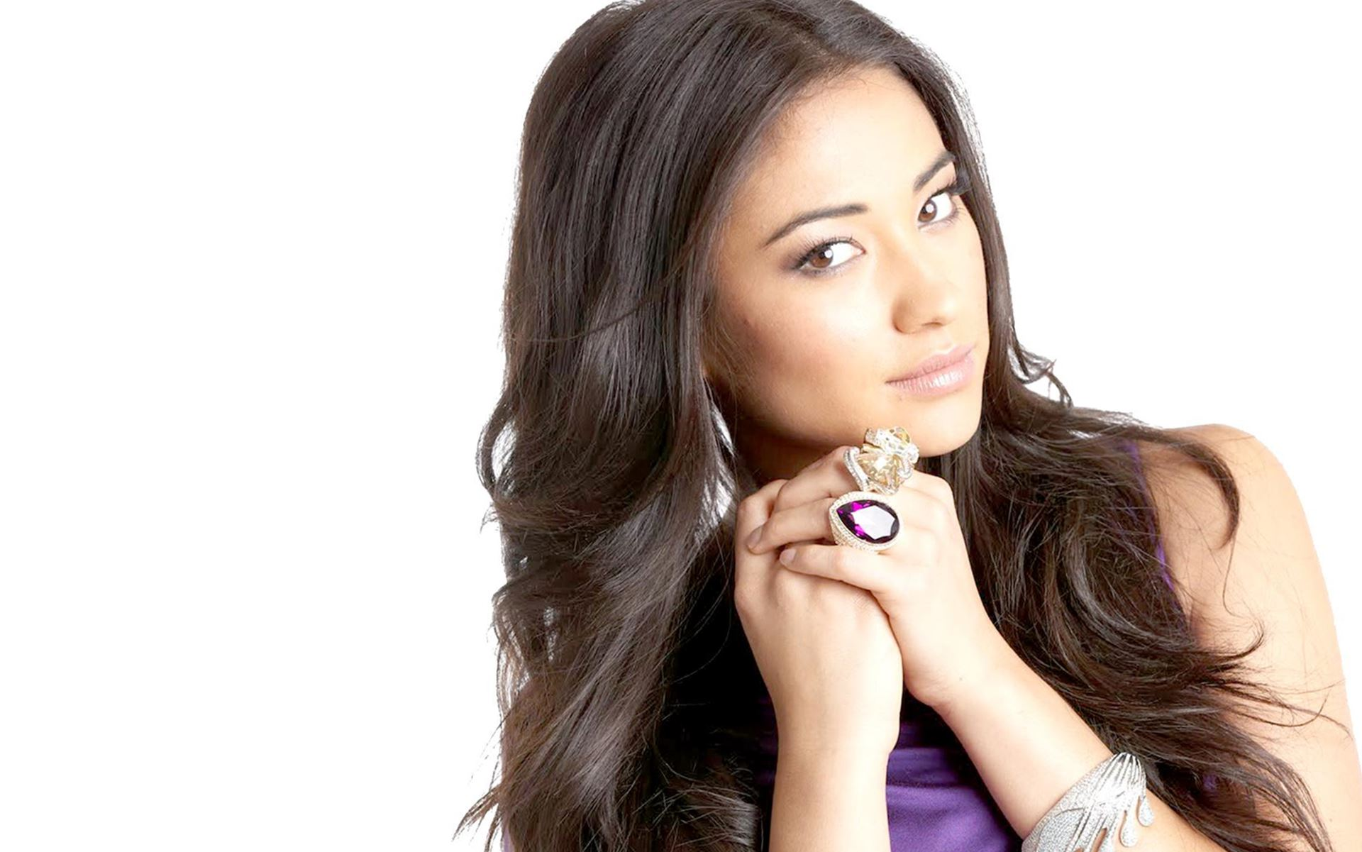 Model Actorss Shay Mitchell Wallpaper Images Photos Download