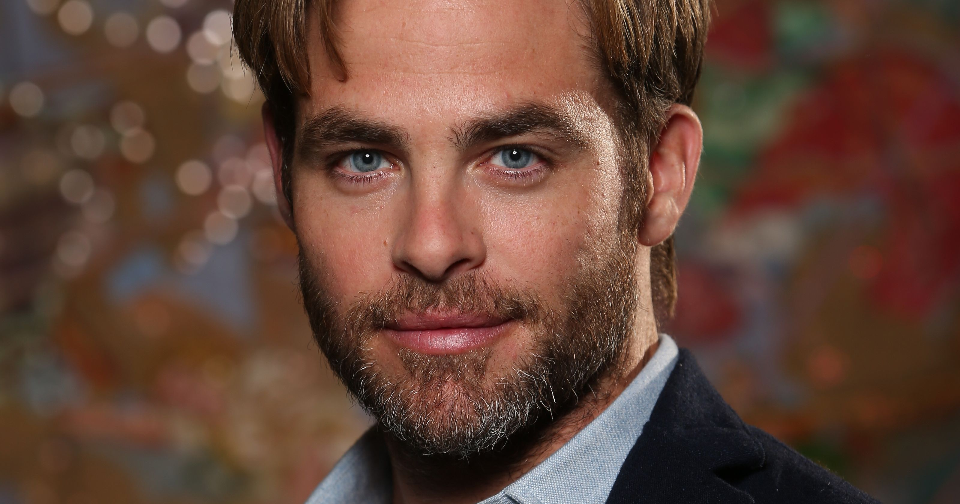 romantic look chris pine background photo desktop wallpaper