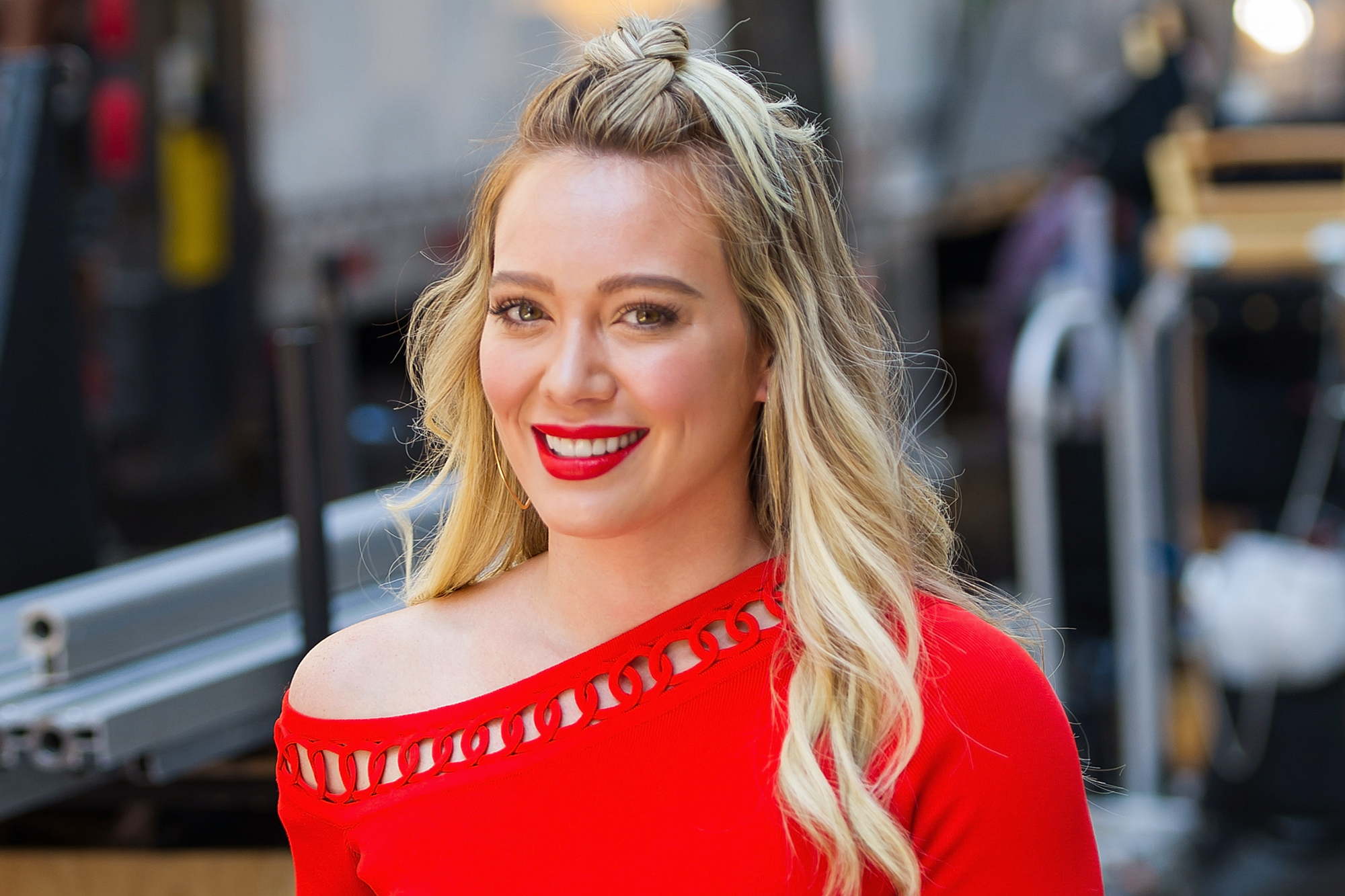 download hilary duff background mobile free hd lovely smile face still pictures