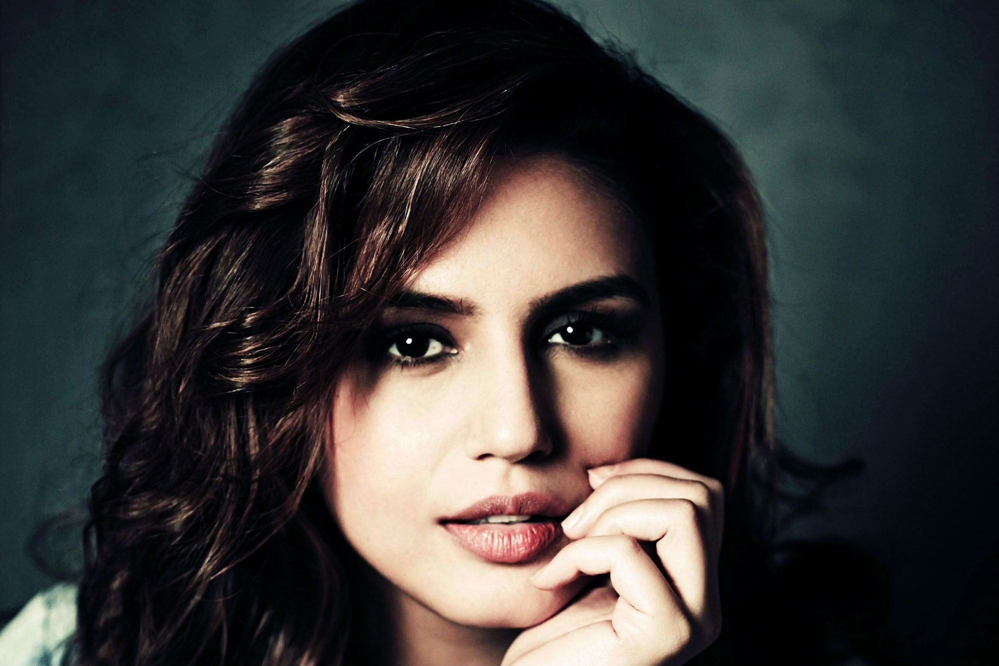Desktop Huma Qureshi Beauiful Still Free Mobile Background Wallpaper Hd