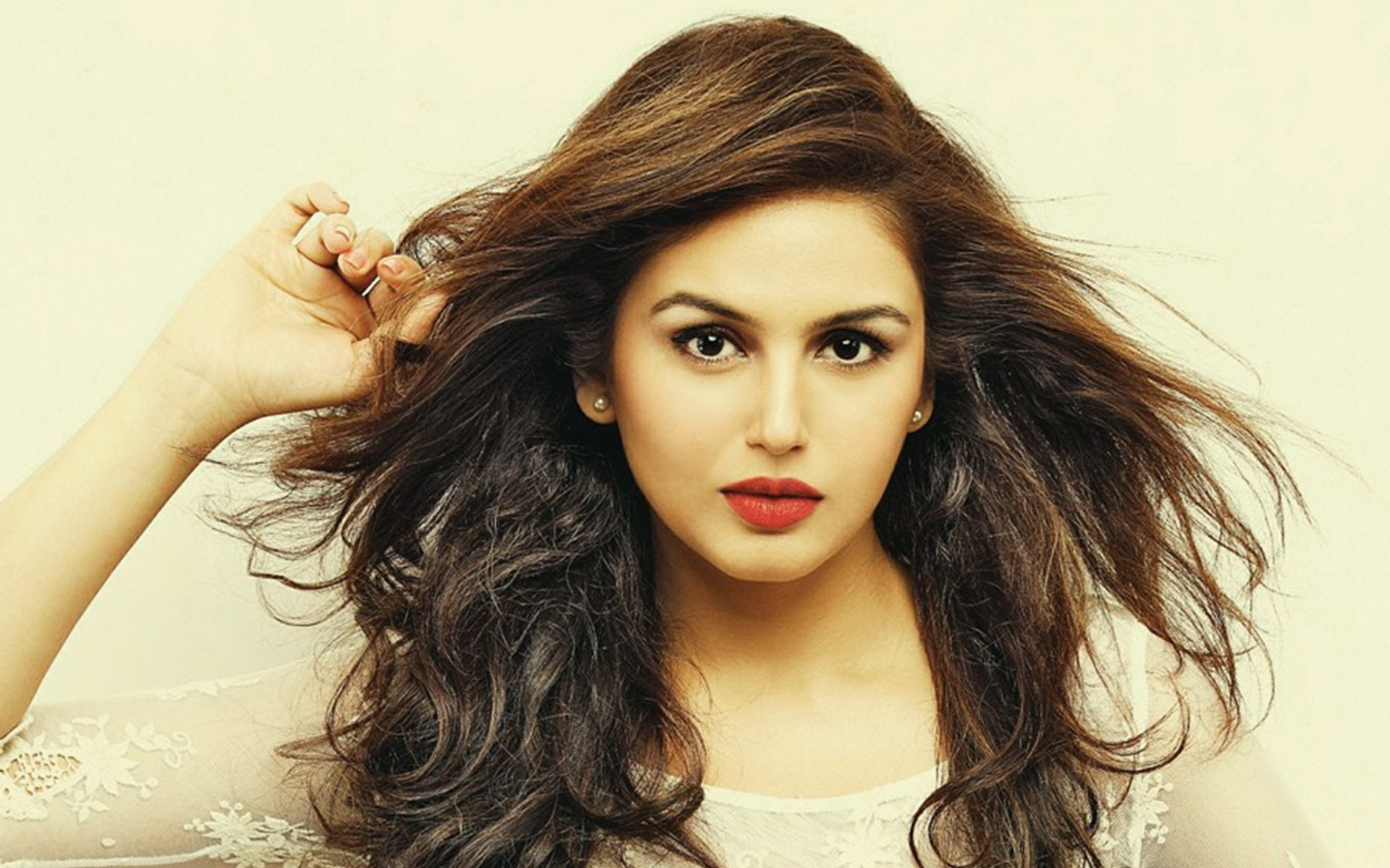 fantastic huma qureshi cute look free deskop mobile background hd pictures