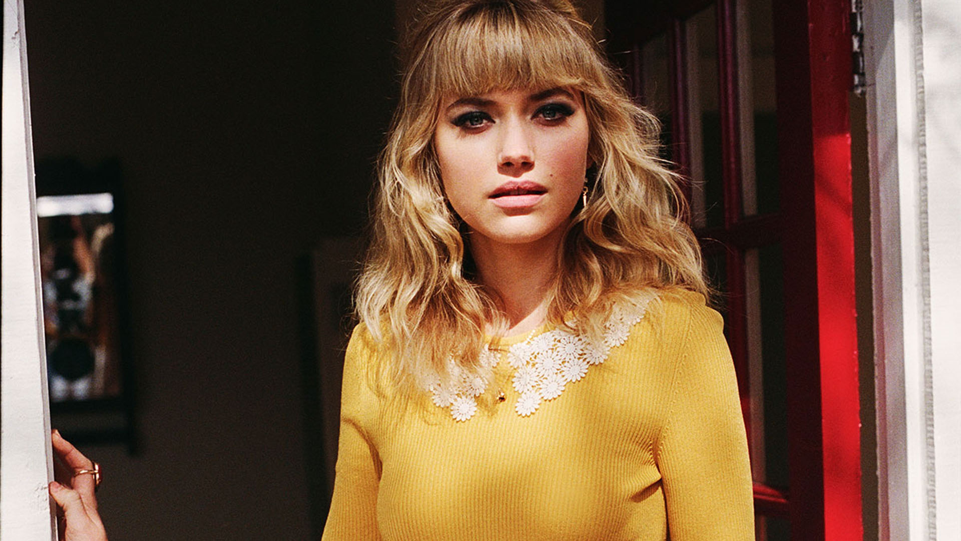 attractive imogen poots face photos download