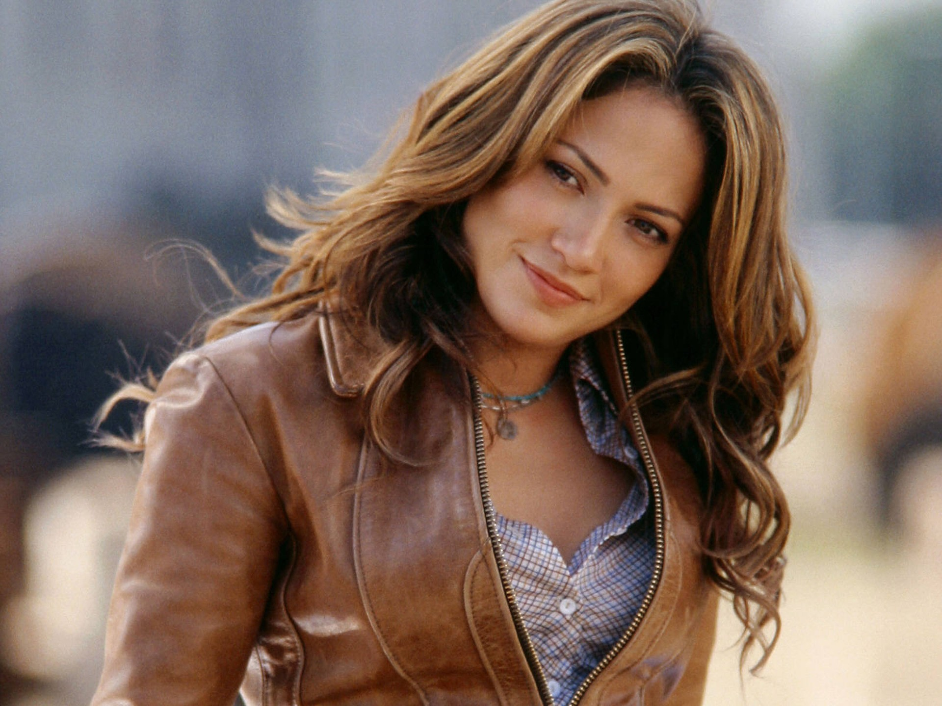 cute jennifer lopez hd mobile screen pictures free download