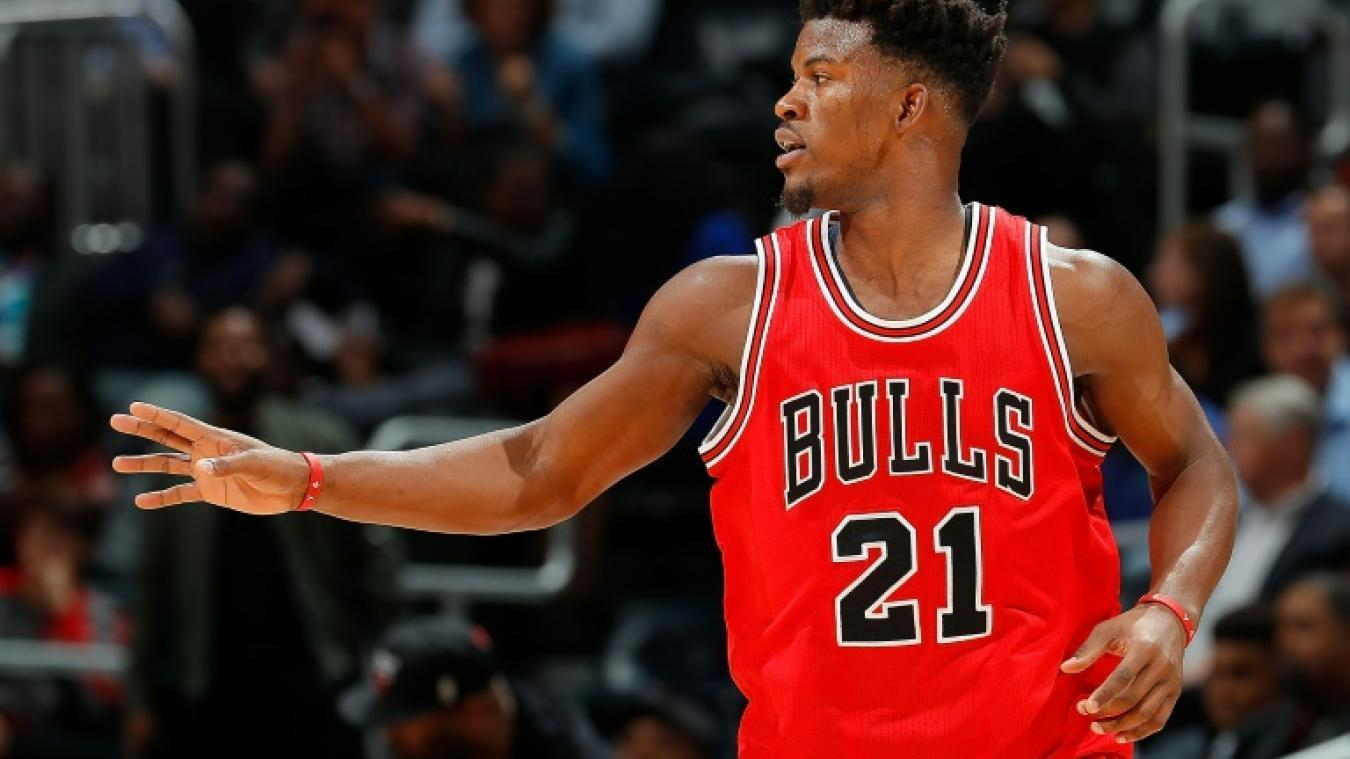 Chi Chicago Bulls Jimmy Butler Giving Instruction Download Free Background Mobile Hd Wallpaper