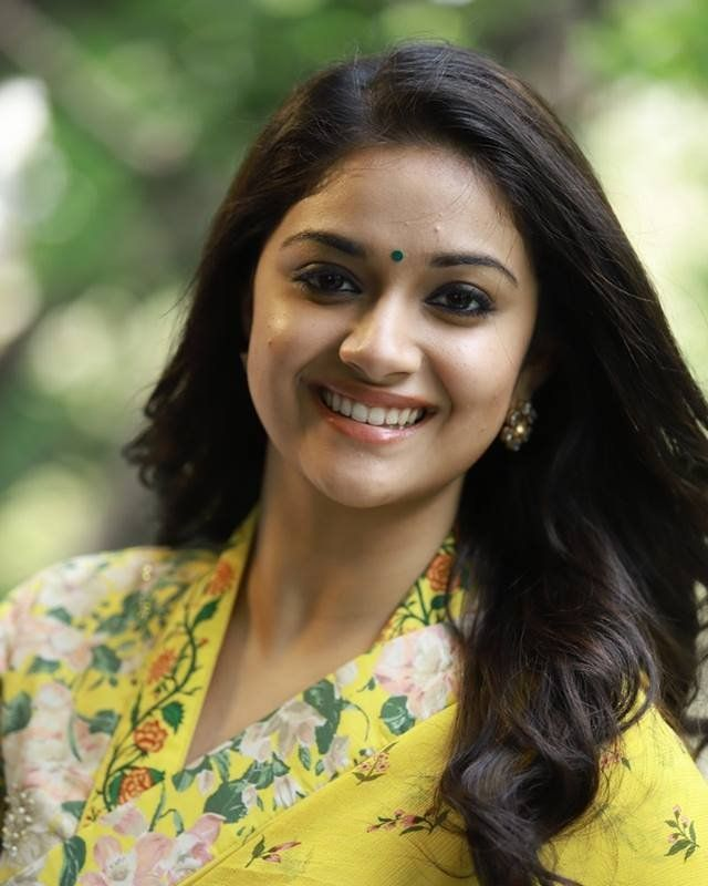 awesome keerthy suresh wallpapers download