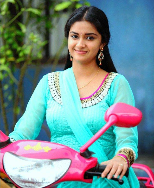 free keerthy suresh cute smiling latest wallpapers hd download