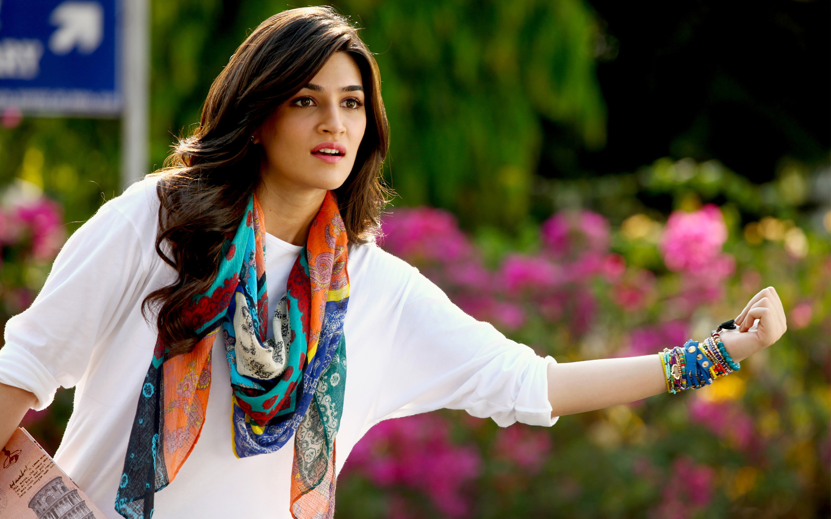 Beautiful Kriti Sanon Background Pictures Mobile Desktop Free Hd
