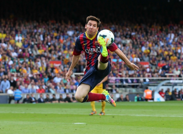 lionel messi kick football soccer player hd free background mobile desktop download pictures