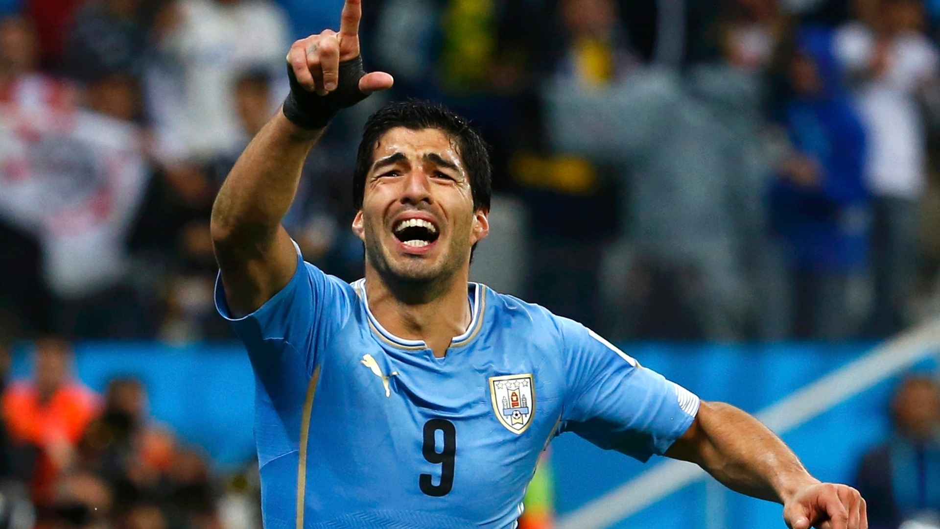 amazing luis suarez football soccer player hd free goal enjoying background mobile download desktop photos