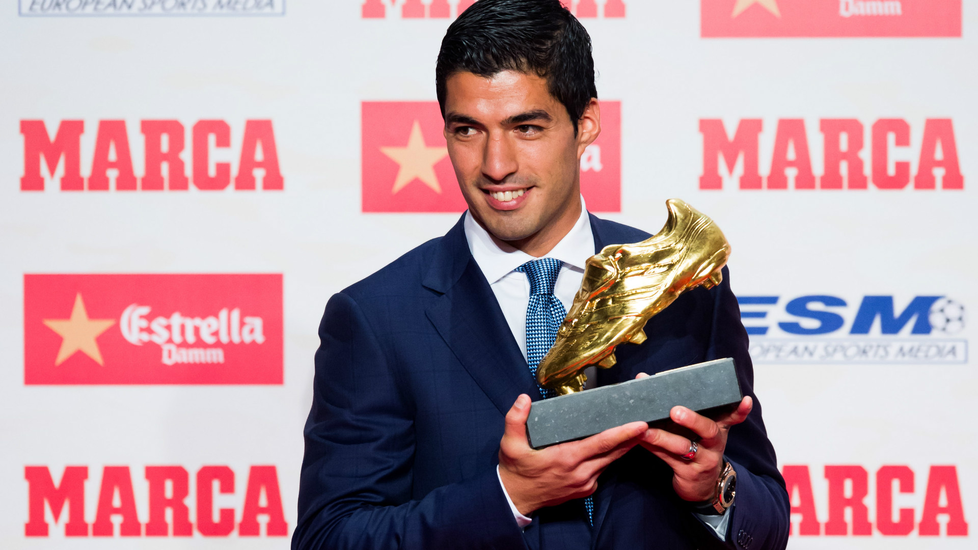 luis suarez football soccer player free hd golden foot cup background mobile desktop download jpg