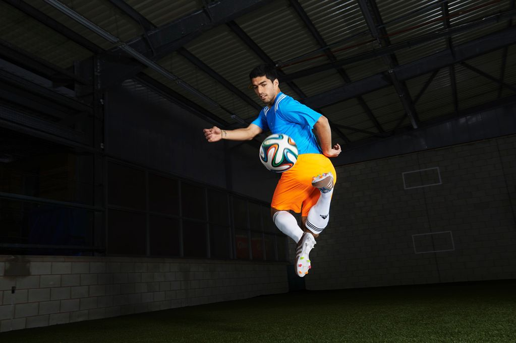 Luis Suarez Football Soccer Player Hd Free Kick Ball Air Goal Background Mobile Download Desktop Photos