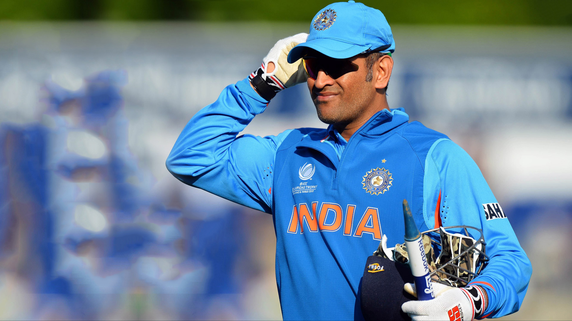 Free Thala Dhoni Won The Game With Stump Desktop Background Mobile Hd Pics