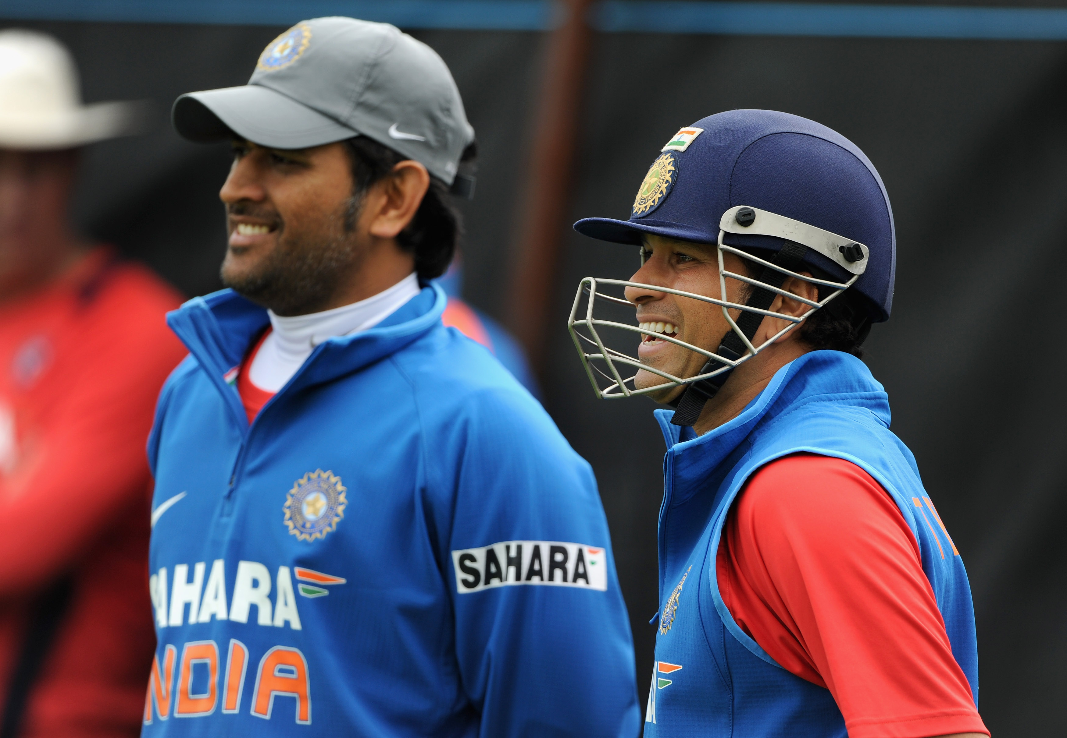 stunning thala dhoni and master sachine beautiful smiling look togather still background desktop mobile free hd pictures