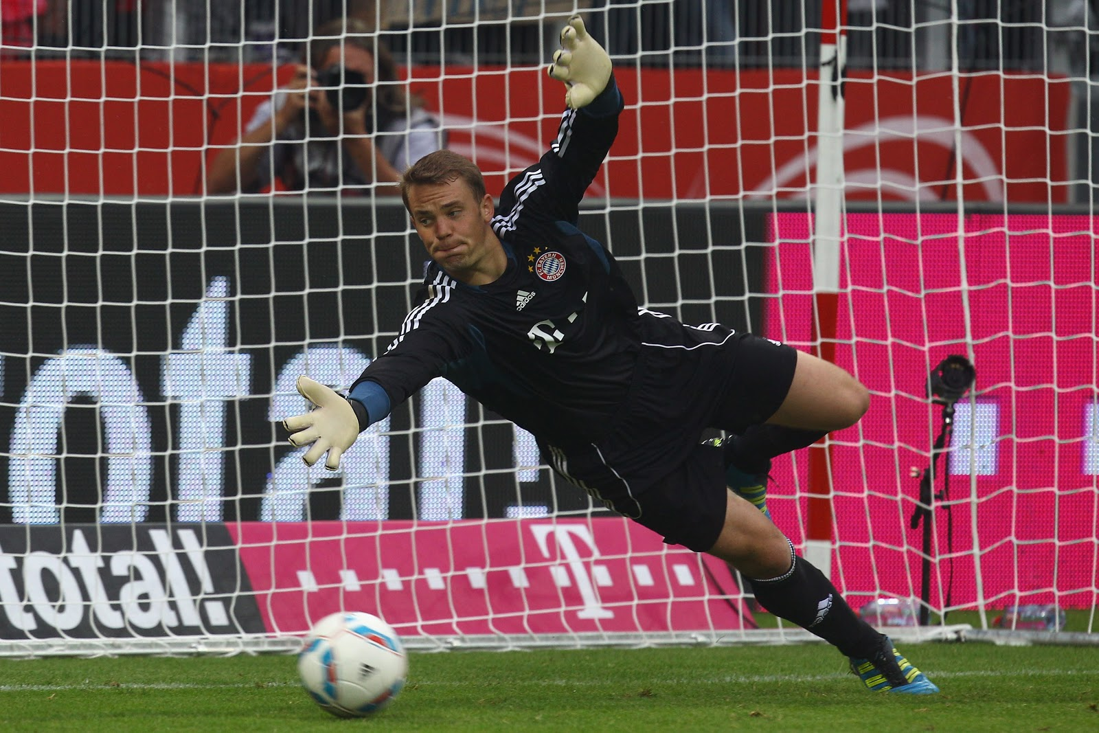 Beautiful Manuel Neuer Save Goal Hd Mobile Jpg