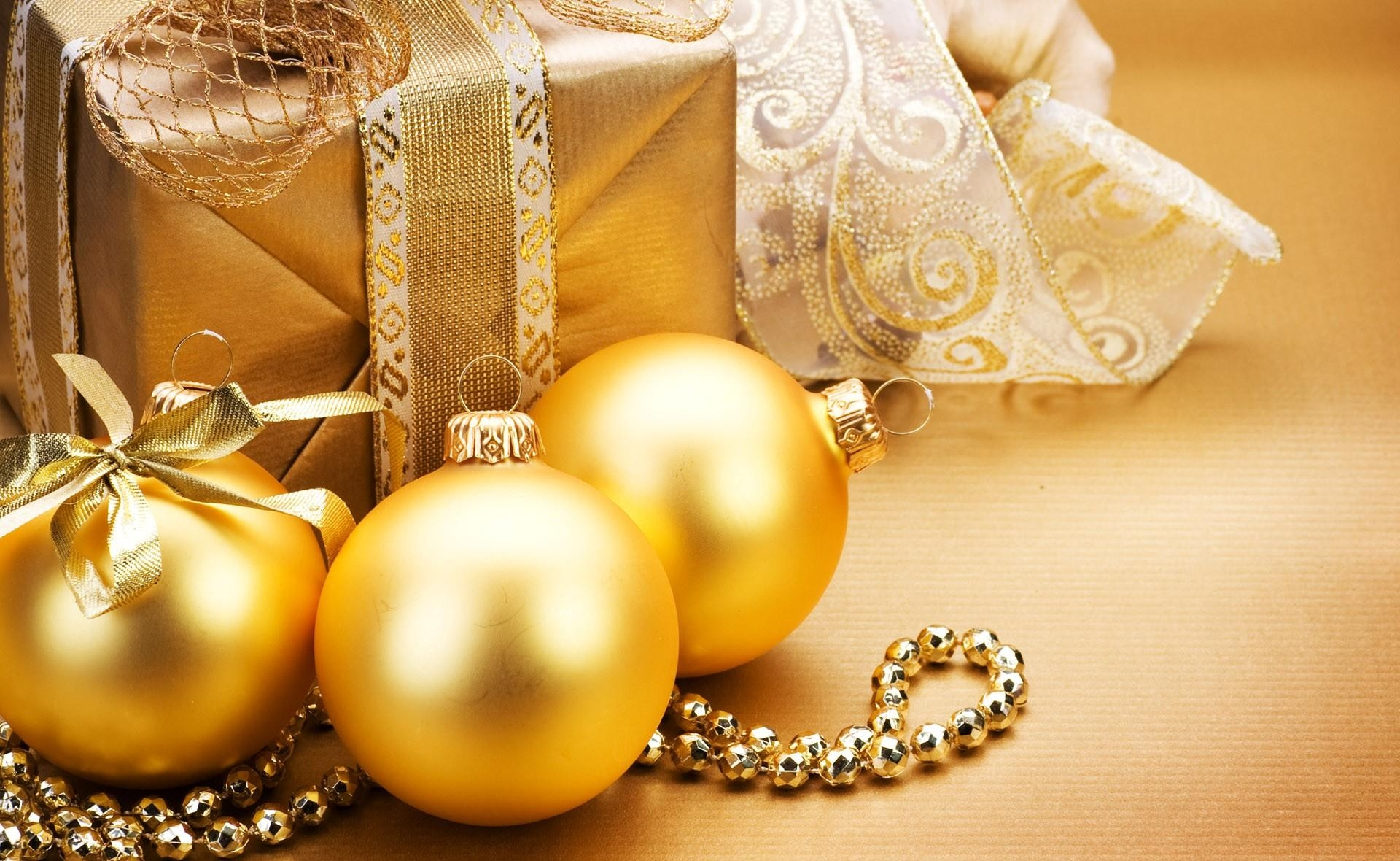 Christmas Decorations Golden Balls Gifts Ornaments Ribbon Gold Wishes Pic