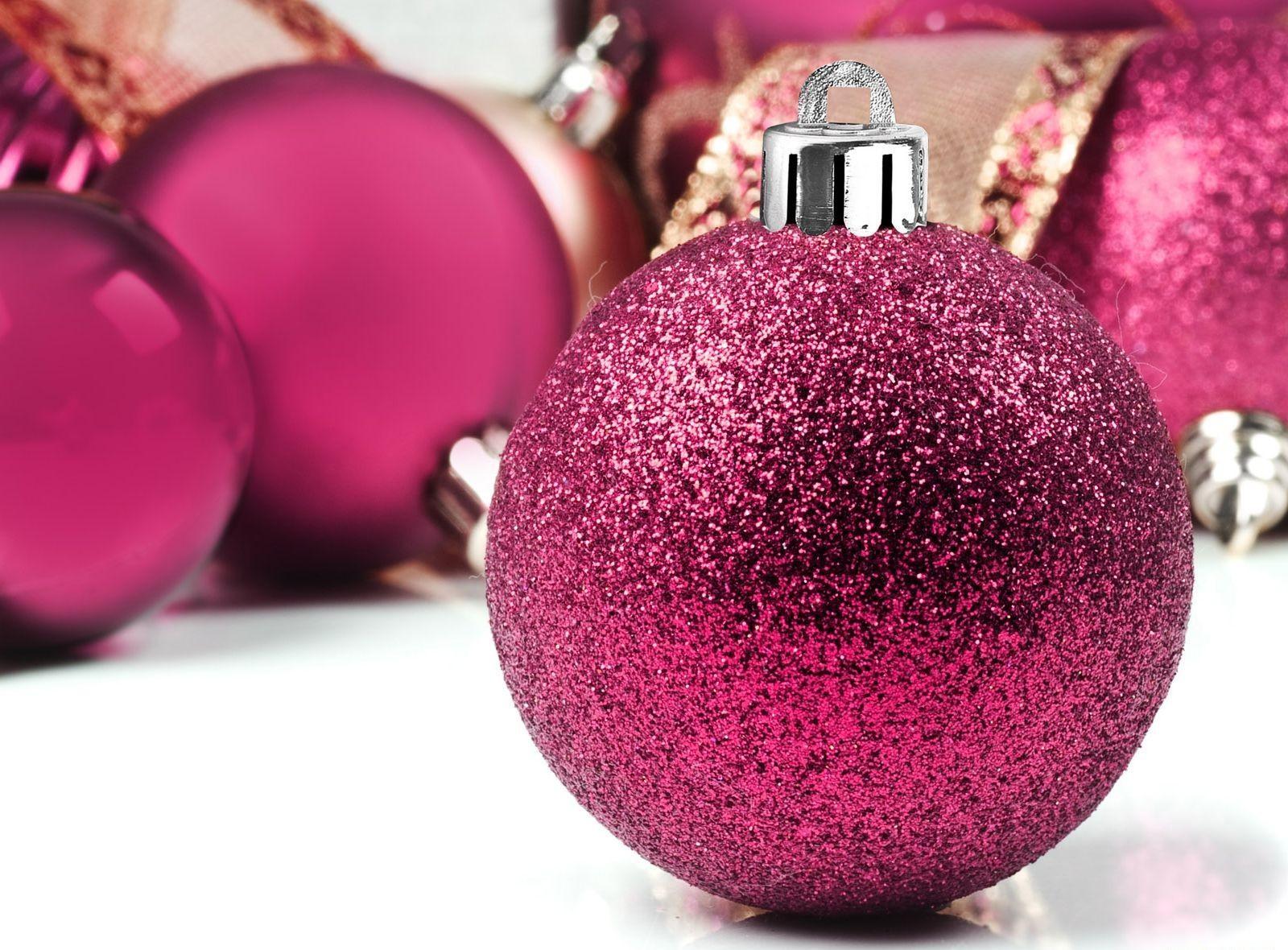 Popular Wallpaper Mac Christmas - christmas-decorations-purple-color-balloons-glitter-wallpaper  Image_543897.jpg