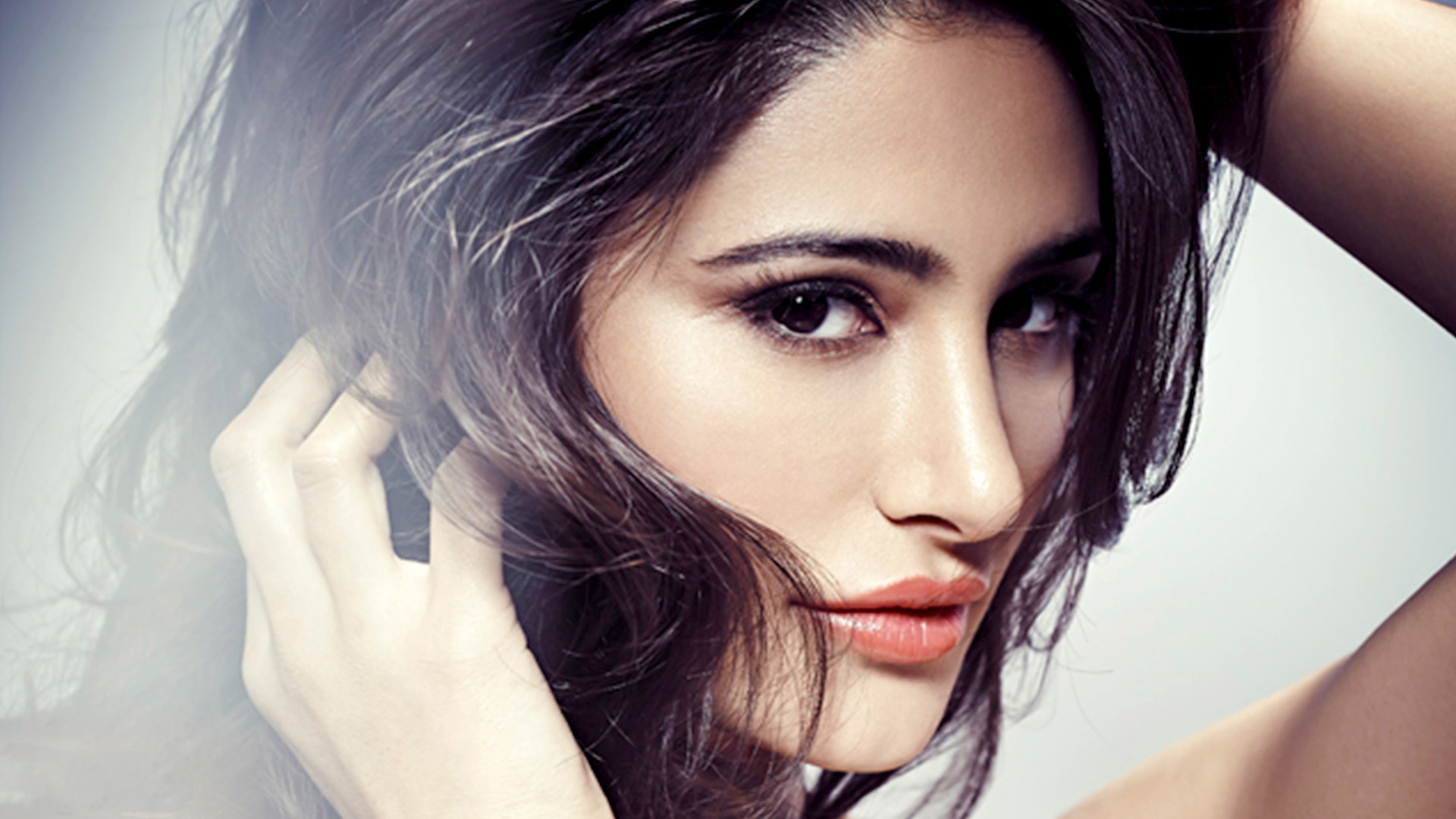 awesome nargis fakhri images free download