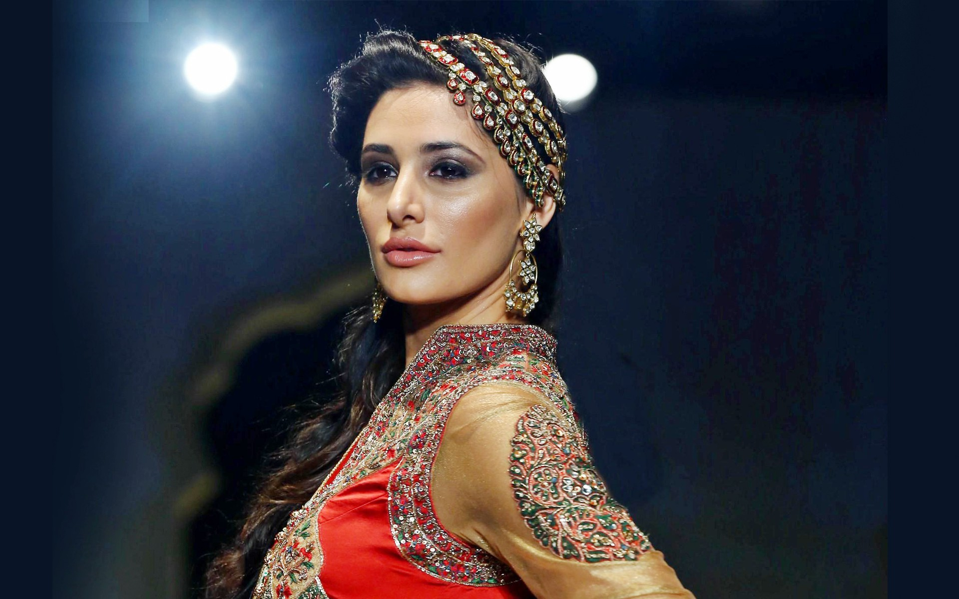 Gorgeous Nargis Fakhri Hd Latest Pictures Desktop