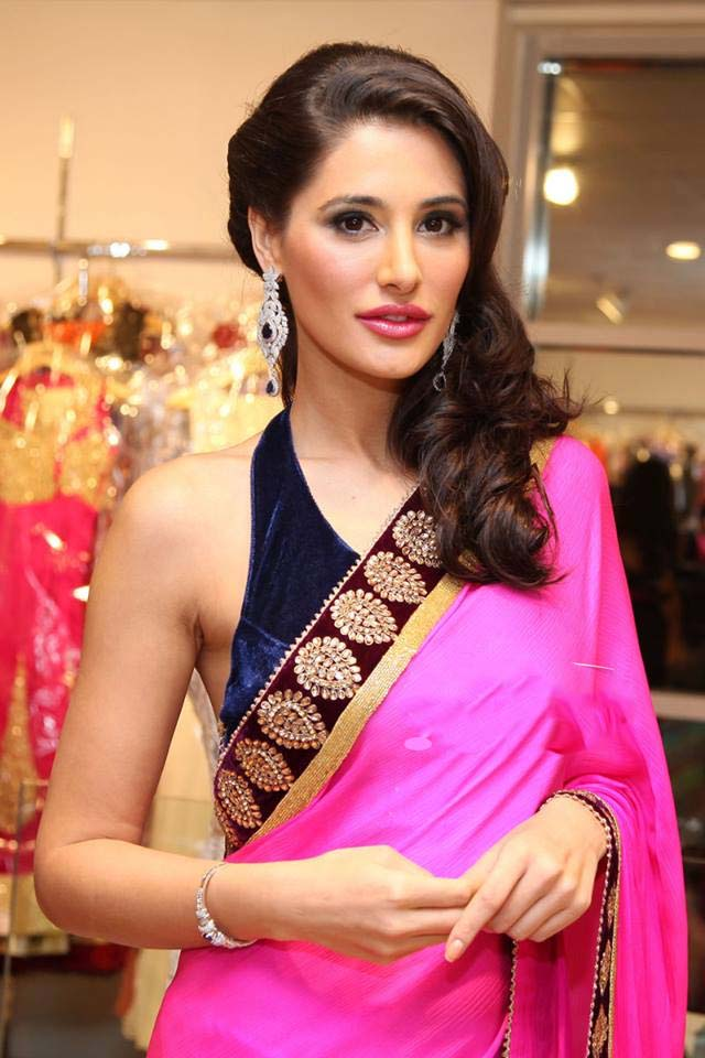 marvelous nargis fakhri wallpaper free download