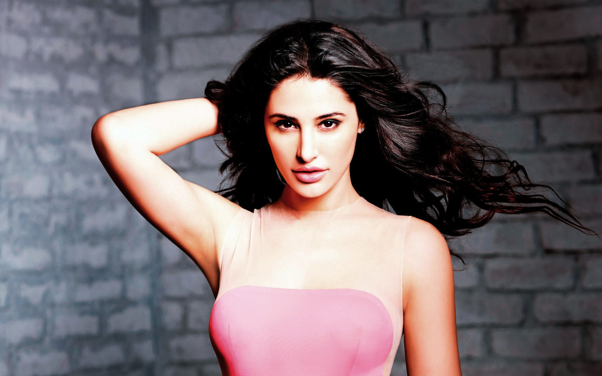nargis fakhri wallpaper high definition perfect photo