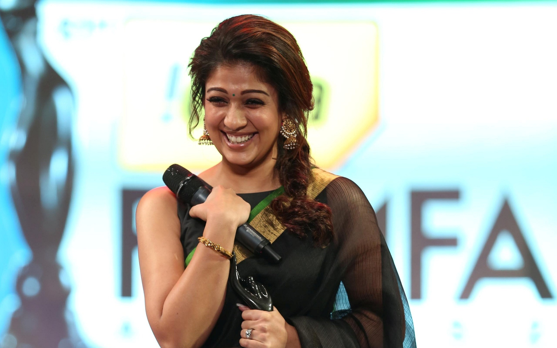 Lovely Nayanthara In Black Saree Fifa Awards Wallpaper