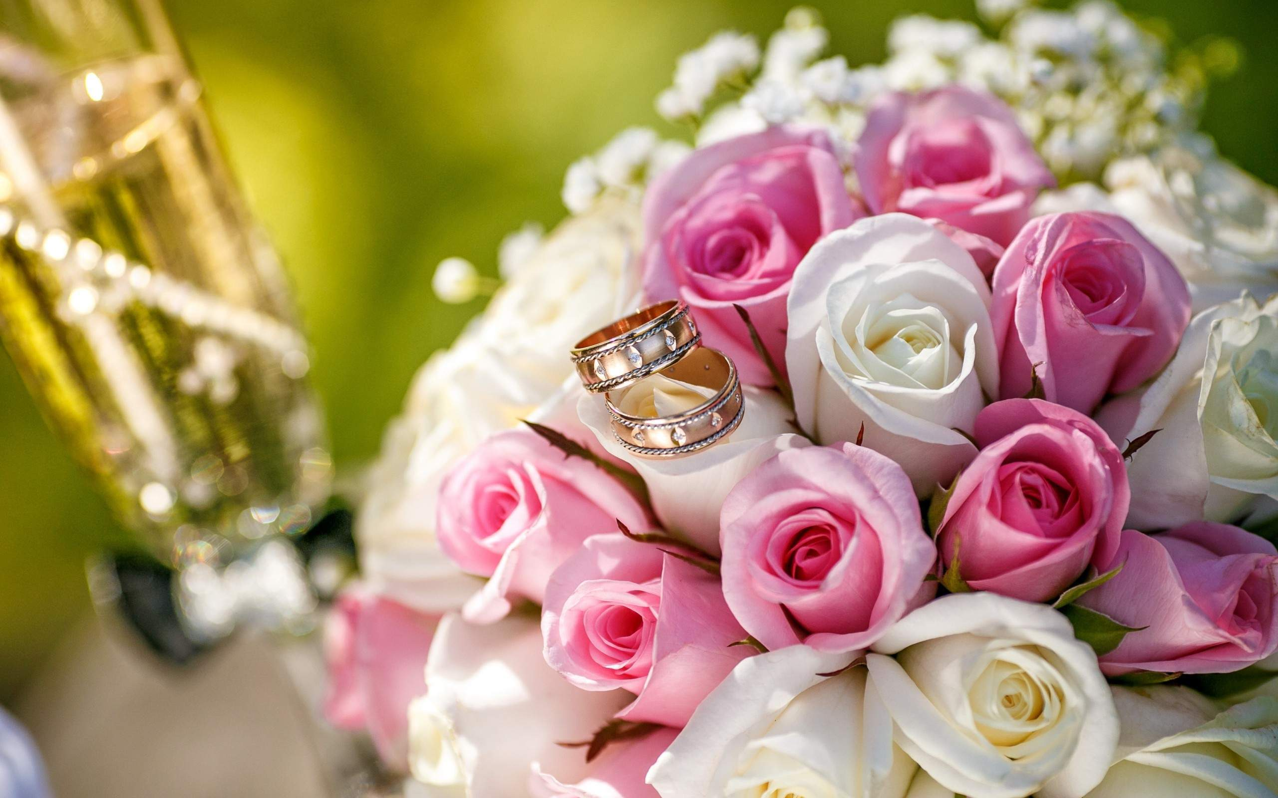 wedding ring with bunch of rose flowers proposal love photos
