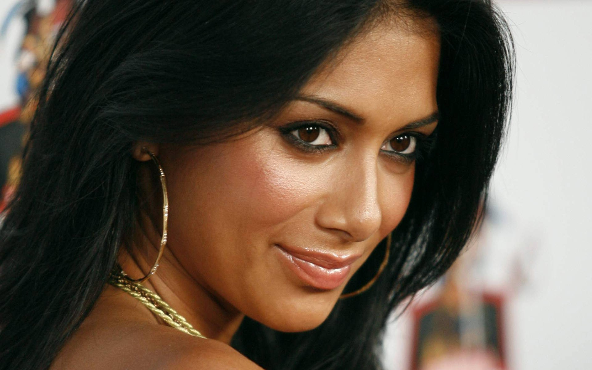 free majestic nicole scherzinger wallpaper for mobile