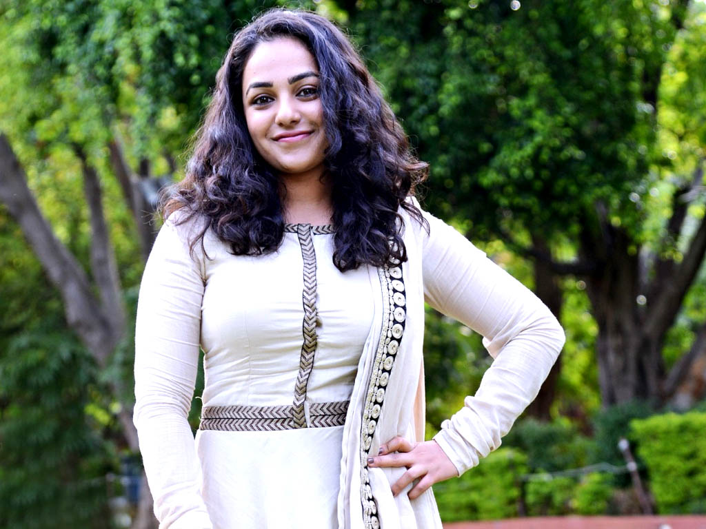 cute nithya menon stylish look hd background free mobile download wallpaper