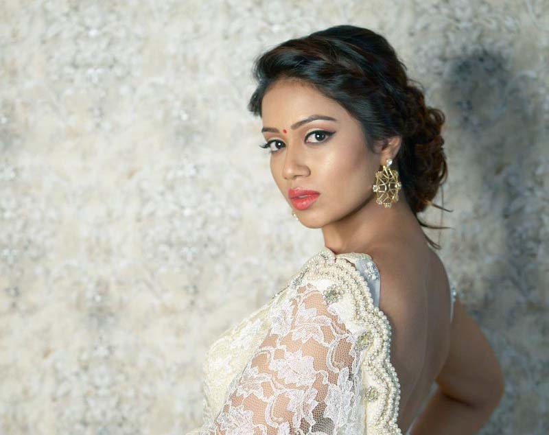 nivetha pethuraj pic hd free mobile desktop download