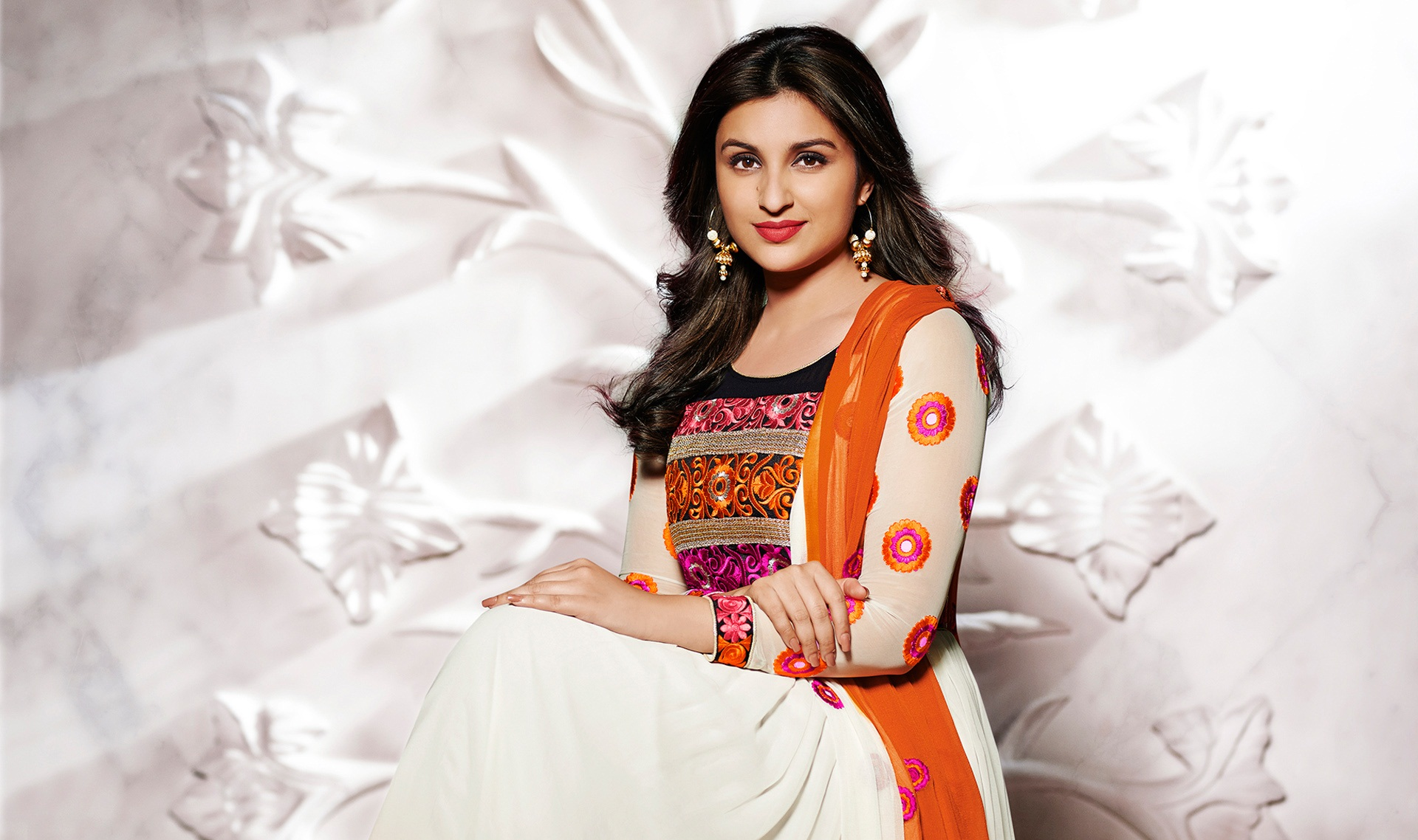 beautiful parineeti chopra homely style background mobile hd desktop images free