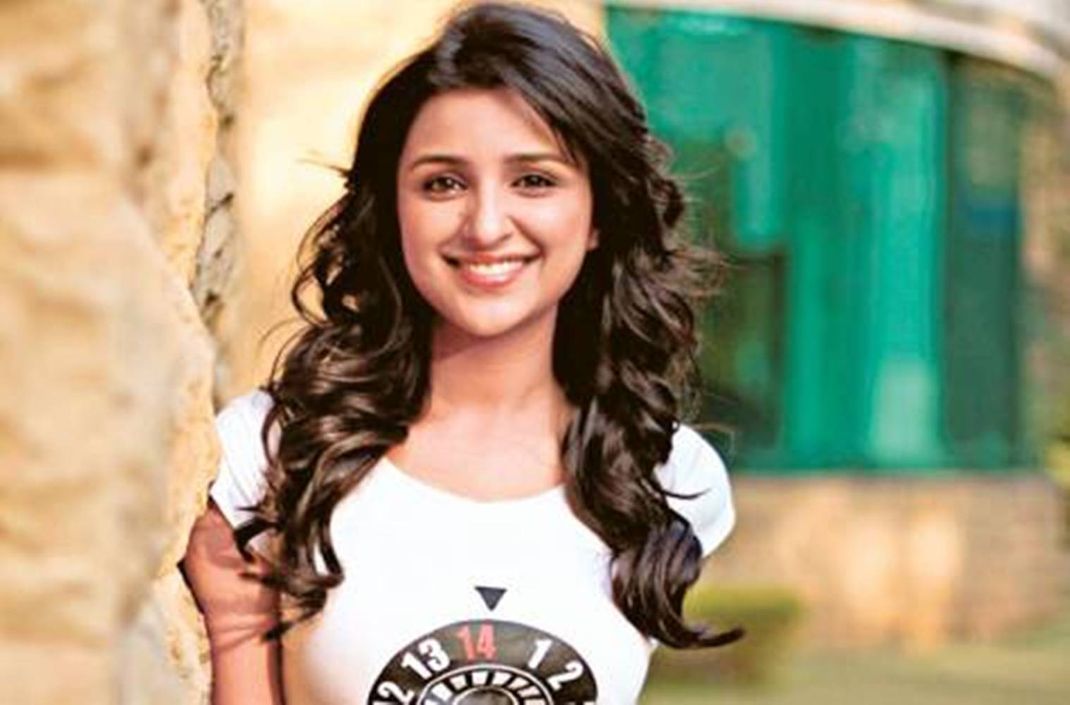 cute parineeti chopra smiling face hd desktop mobile background free images