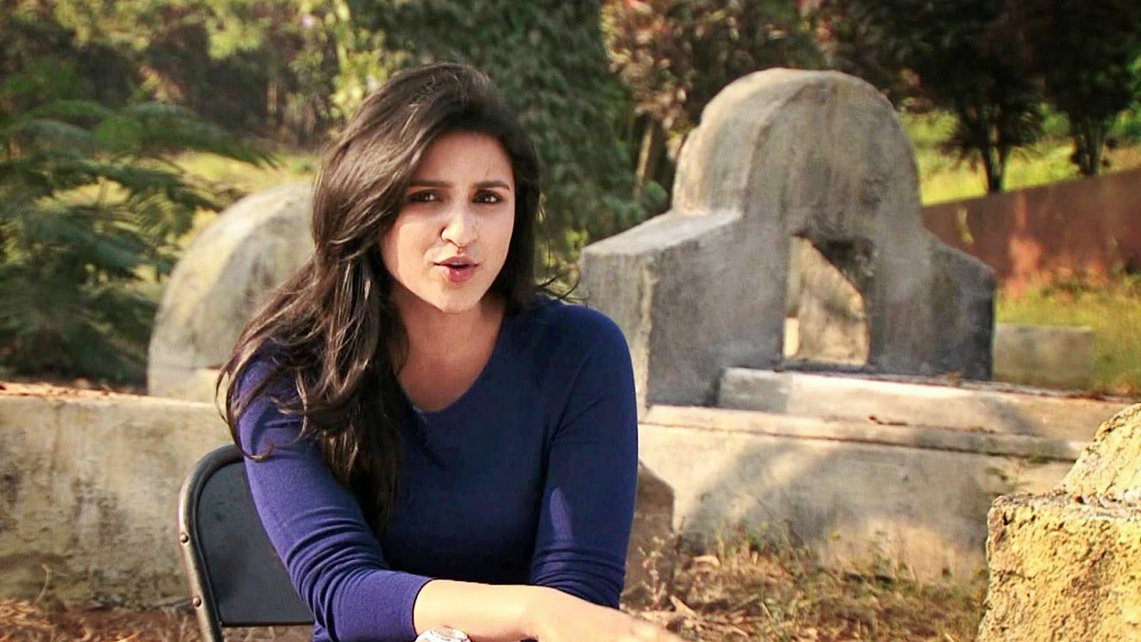 Desktop Parineeti Chopra Beauty Background Free Mobile Pictures Hd